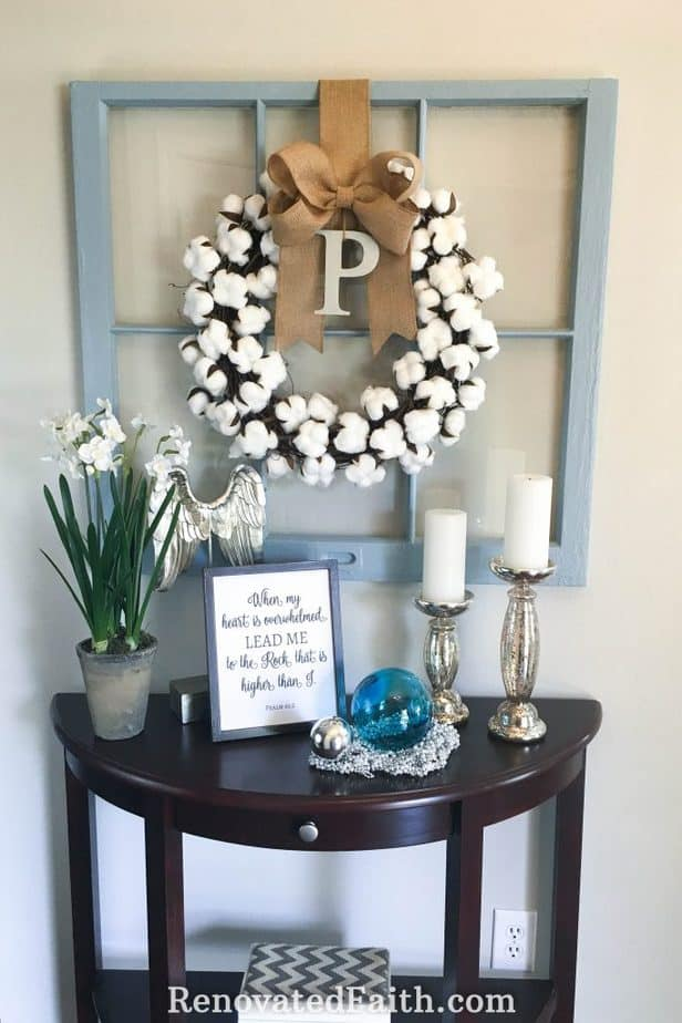 DIY Cotton Wreath for Less Than $10 – This tutorial shows you how to make a cotton boll wreath for your front door, mantel or anywhere in your home. Cotton wreaths are such a fun to include in your fall décor, spring decor or for the holidays. Include a burlap bow to give it a more rustic, farmhouse look even Joanna Gaines would be proud of. #fixerupper #farmhouse #easydiy #cotton #wreath #tutorial #diy #budgetdecor