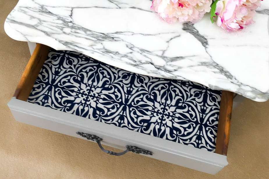 5 Easy Steps To Make Fabric Drawer Liners Paper Like Stain