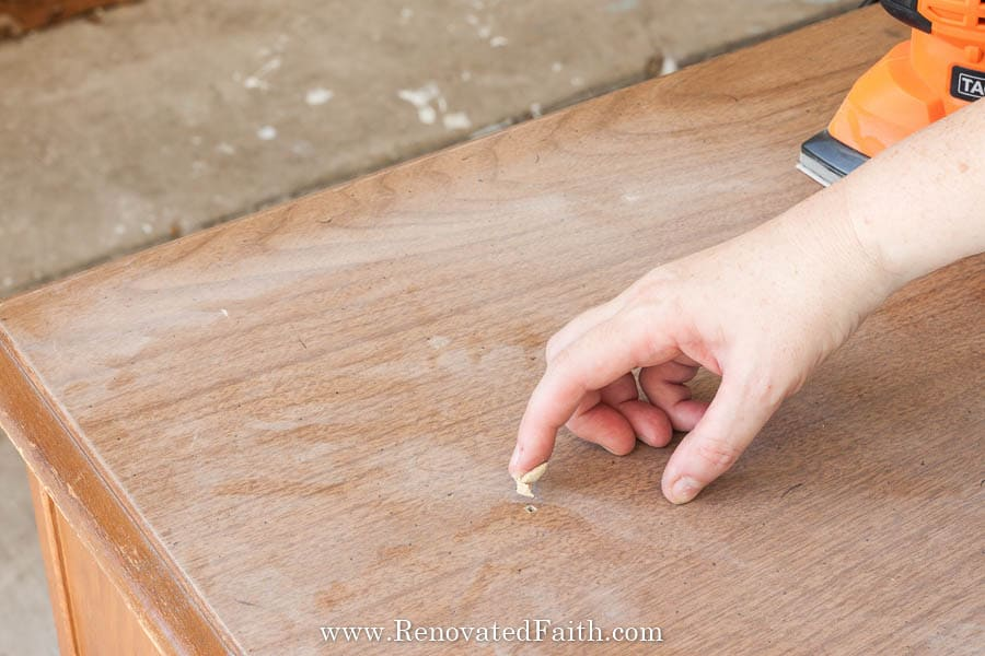 apply wood filler with finger