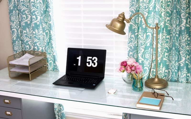 7 Home Office Ideas for Women on a Budget (and Feminine Home Office Checklist!)