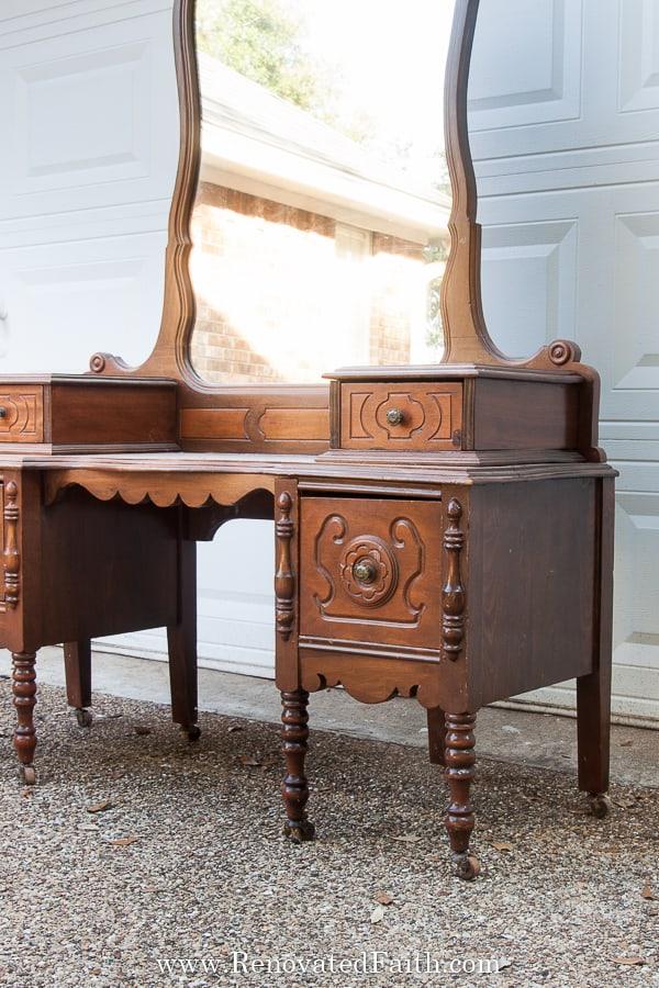 vintage vanity makeovere