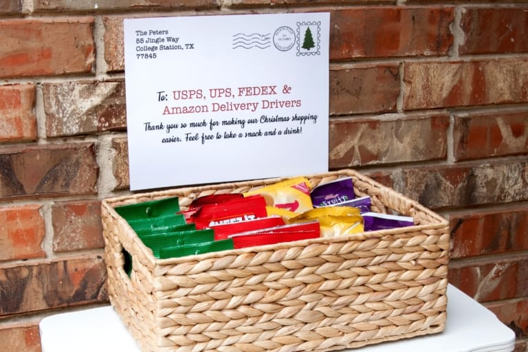 21 of The Best Delivery Driver Snack Signs & Gifts Ideas {with Free Printables!}
