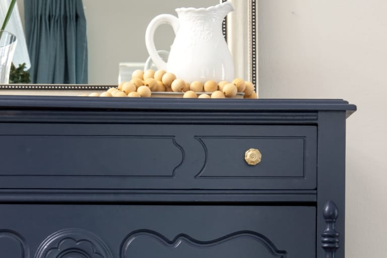 Benjamin Moore Hale Navy (7 Tips You Should Know Before Painting)