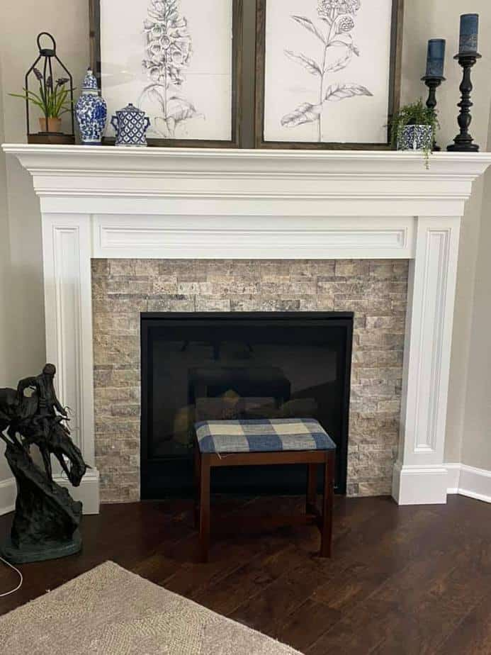 Sherwin Williams Pure White and Agreeable Gray