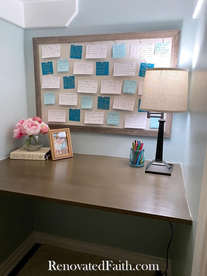 floating desk in cloffice